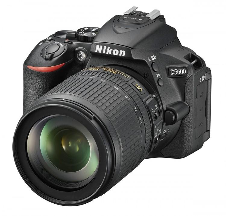 Nikon D5600 18-105 VR Kit - Schwarz
